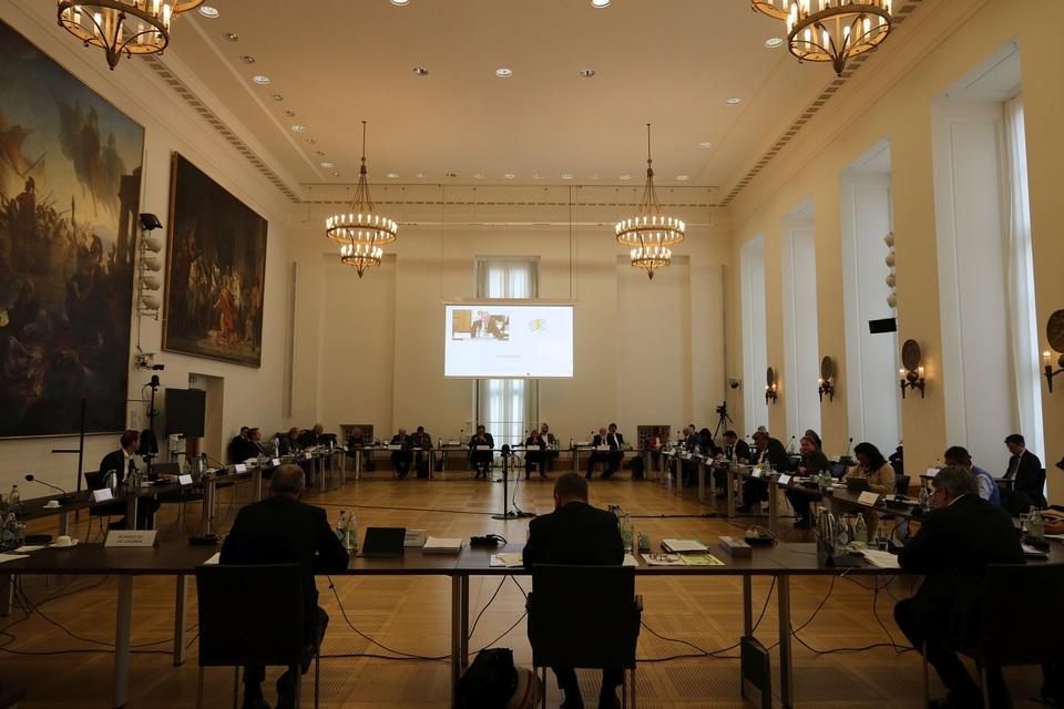 Der Ausschuss für Wissenschaft und Kunst tagte mit einer großen Expertenrunde im Senatssaal des Bayerischen Landtags. Foto: CSU-Fraktion