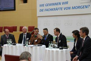 Experten aus Politik und Wirtschaft diskutierten über den Fachkräftebedarf von morgen.