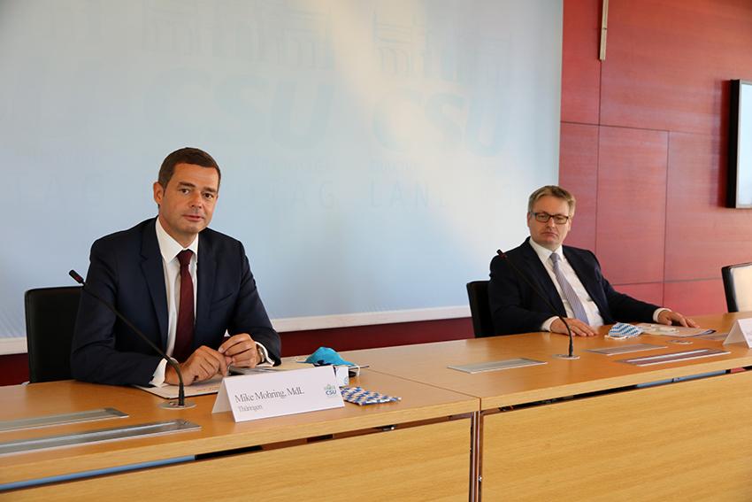 Mike Mohring und Josef Zellmeier bei der Tagung in München